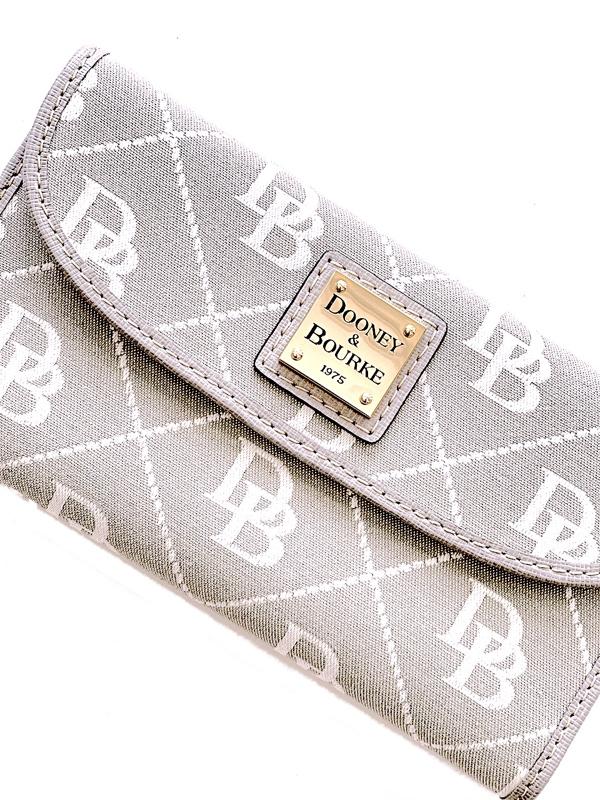 Dooney & Bourke | ארנק לוגו דוני אנד בורק
