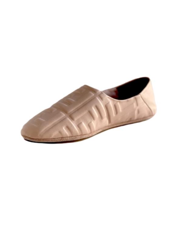 Fendi   נעליים ורודות פנדי