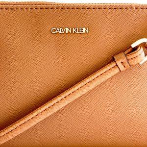 Calvin Klein | תיק צד קטן חום קלוין קליין