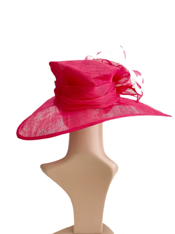August Hat   כובע ורוד אוגוסט הט