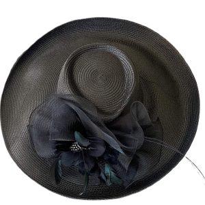 August Hat | כובע שחור מיוחד ואלגנטי אוגוסט הט