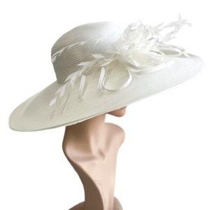 August Hat | כובע לבן נוצות אוגוסט הט