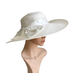 August Hat | כובע לבן פפיון אוגוסט הט