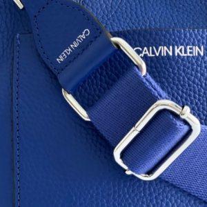 Calvin Klein | תיק כחול קלוין קליין