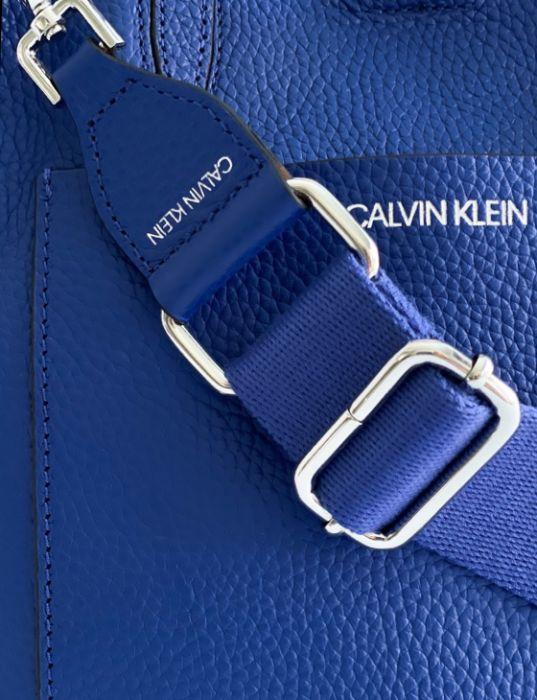 Calvin Klein   תיק כחול קלוין קליין