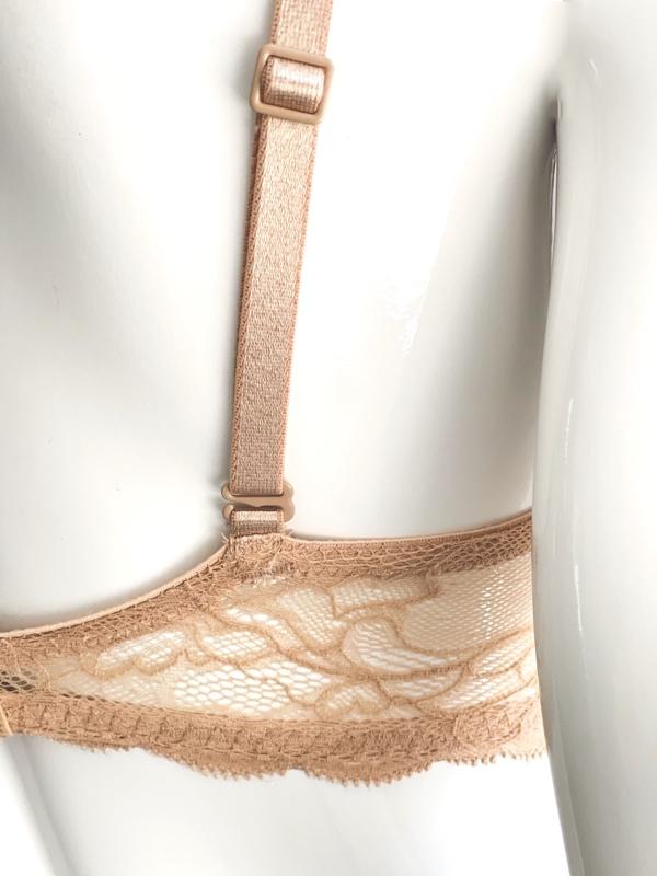 Calvin Klein   חזיית פוש אפ תחרה בז׳ קלוין קליין
